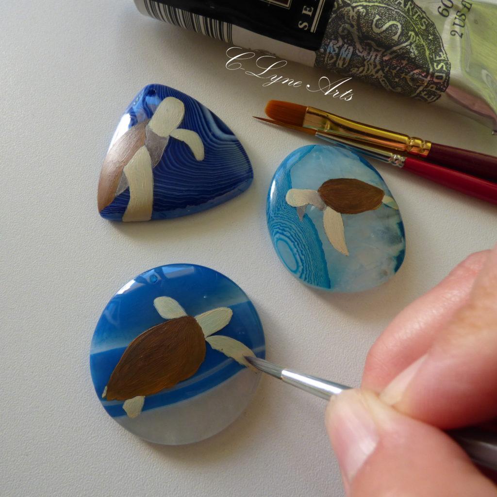 pendentifs agates tortues peintes à la main