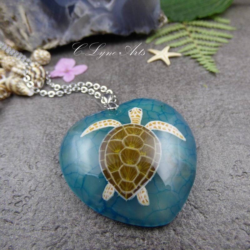 pendentif en agate avec tortue peinte à la main