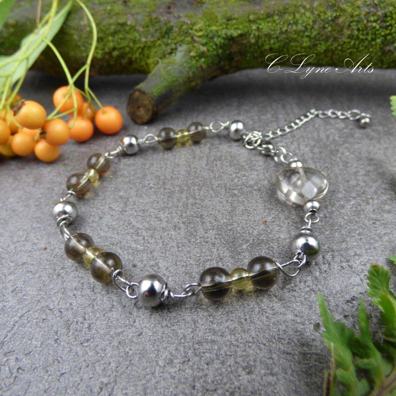 bracelet poétique en pierres fines, quartz fumé et citrine, perle en forme de coeur