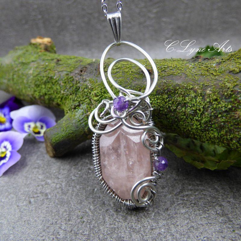 pendentif elfique wire wrapping morganite facettée et perles d'améthyste