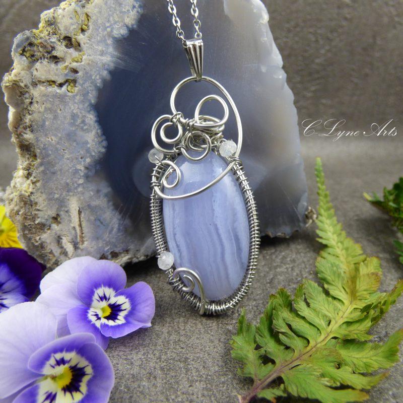 pendentif wire wrapping elfique agate blue lace, agate dentelle