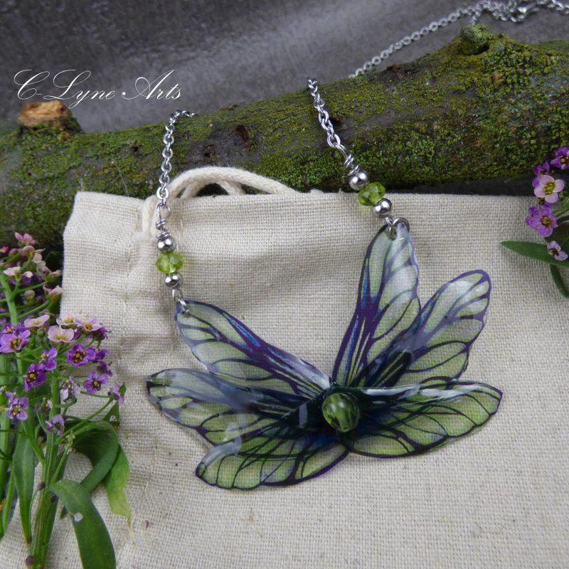 Pendentif féerique papillon aux ailes de fée, bijou fantastique