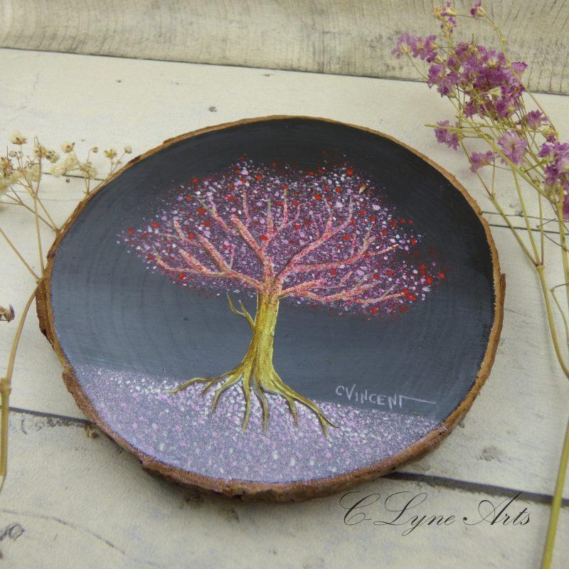 tableau arbre féerique peint à la main sur une tranche de bois d'érable