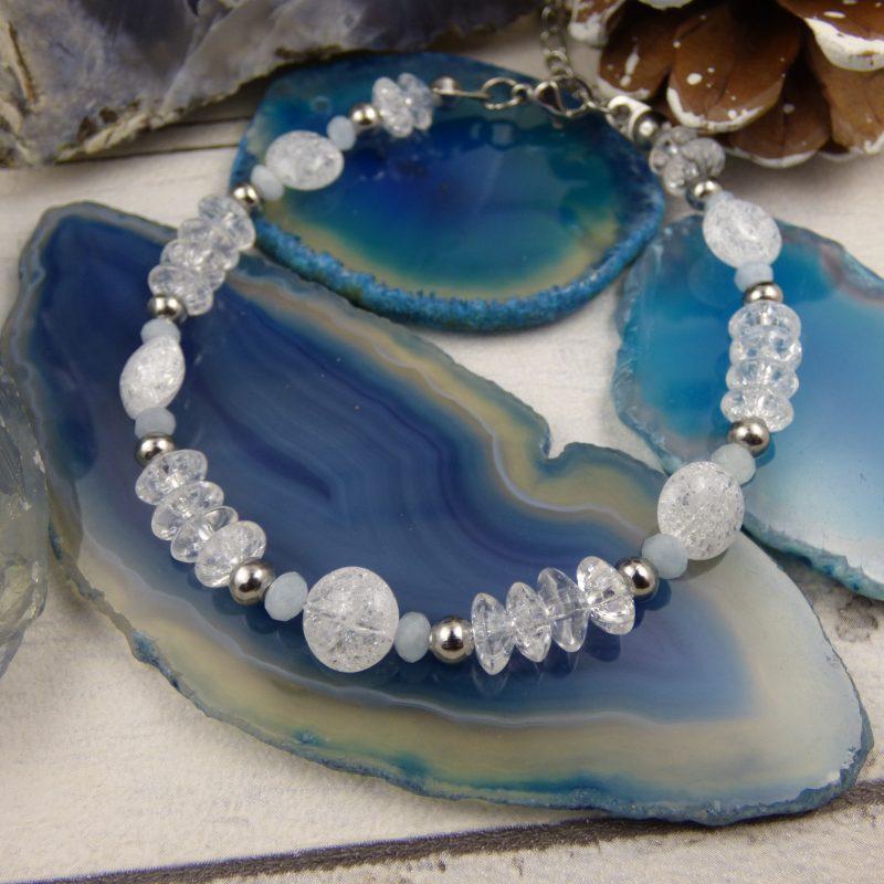 Bracelet artisanal féerique en pierre de cristal de roche et aigue marine