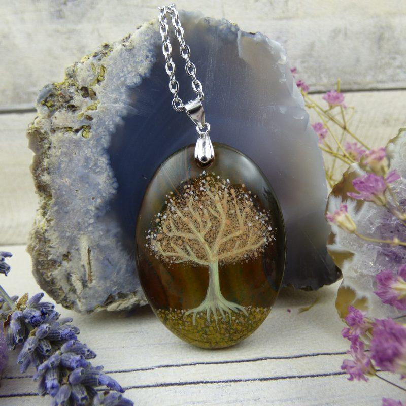 PENDENTIF bijou féerique avec arbre de vie sur pierre d'agate