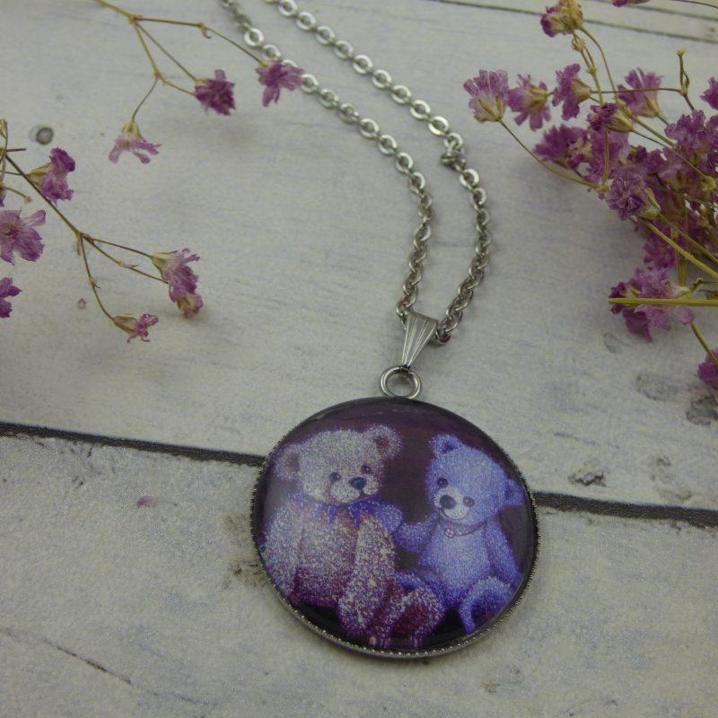 pendentif illustré par la photo d'une peinture de nounours