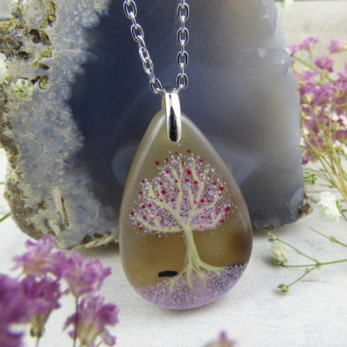 pendentif en forme de goutte d'eau, pierre d'agate, arbre peint à la main
