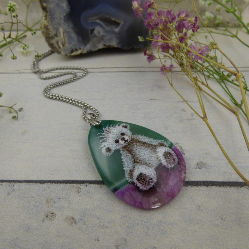 pendentif avec oursone peinte à la main une pierre naturelle d'agate