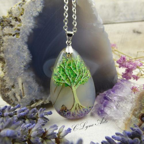 PENDENTIF bijou féerique avec arbre de vie sur pierre d'agate dentritique