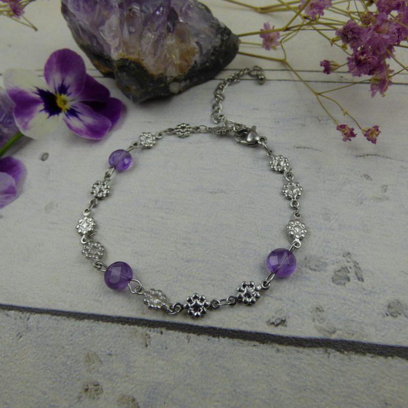 BRACELET en acier inoxydable et perles d'améthyste facettée