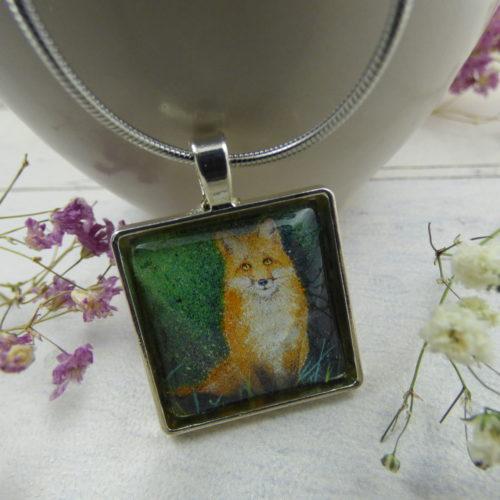 pendentif illustré par la photo d'une peinture d'un renard