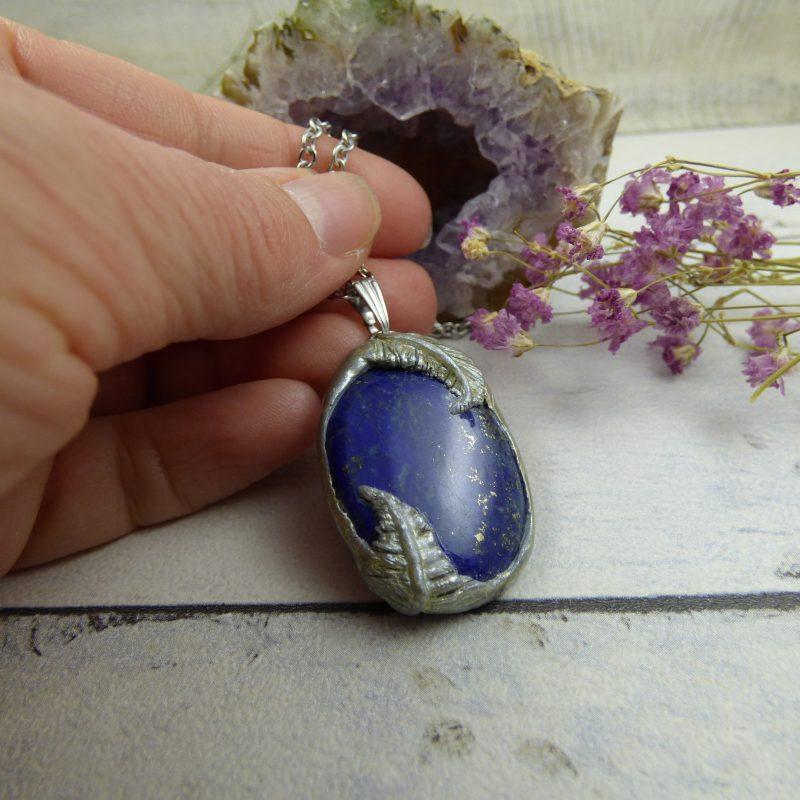 PENDENTIF en fimo, argile polymère avec pierre naturelle de lapis lazuli