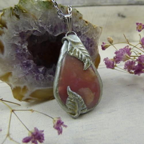 PENDENTIF en fimo, argile polymère avec pierre d'opale rose