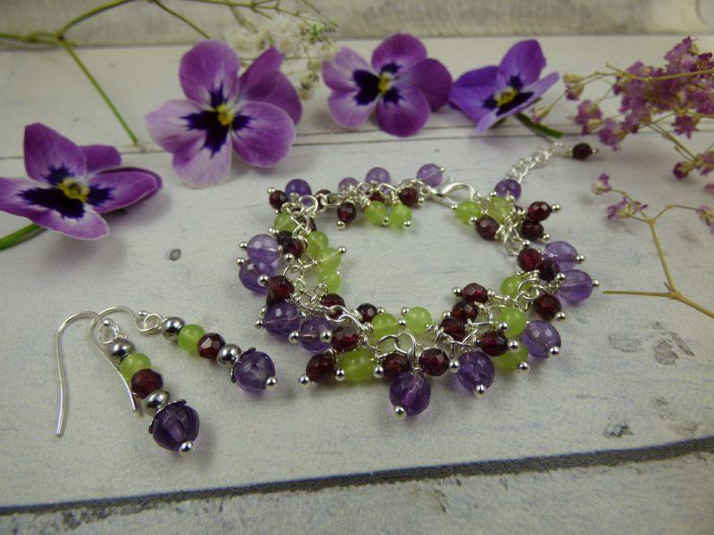Parure bracelet et boucles d'oreilles féeriques en pierres naturelles
