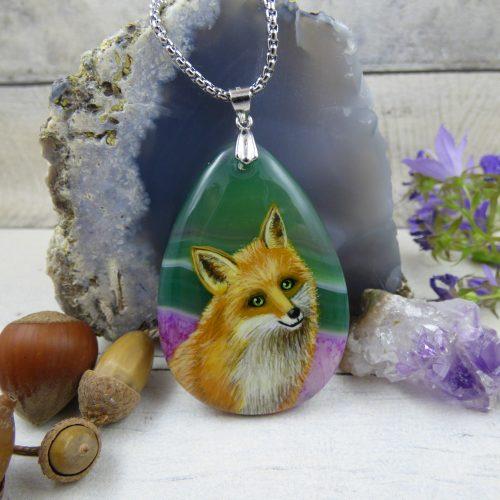Pendentif avec renard peint à la main sur une pierre d'agate - bijou de créateur