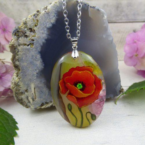 coquelicot peint sur une pierre d'agate