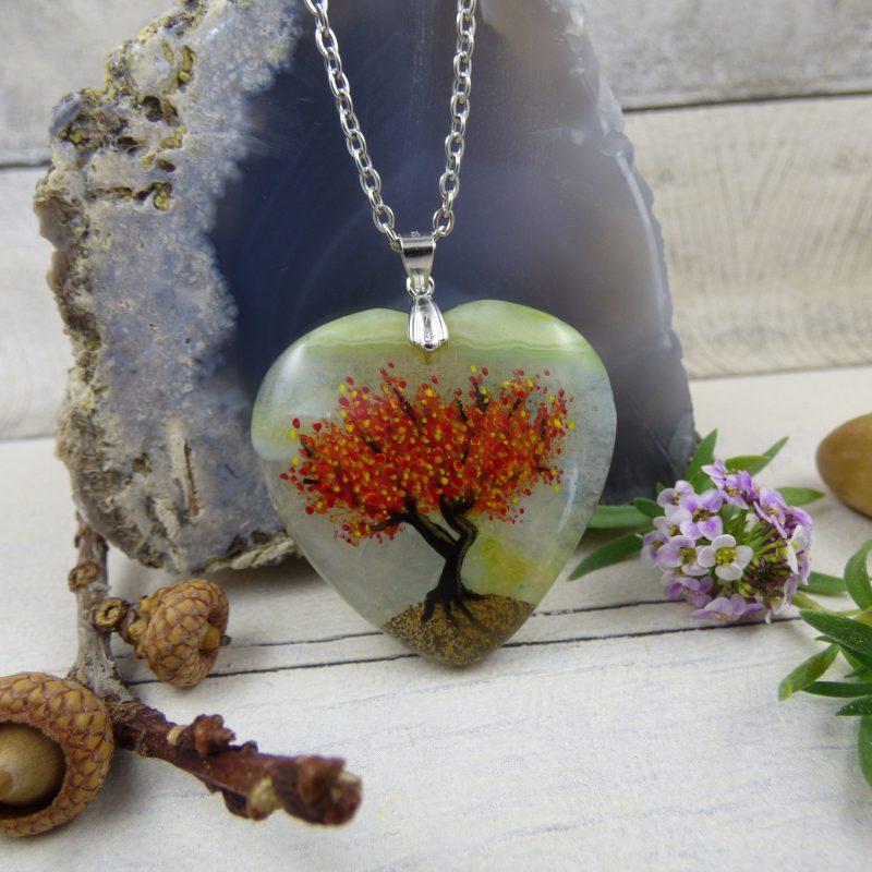 bijou arbre peint à la main sur une pierre d'agate