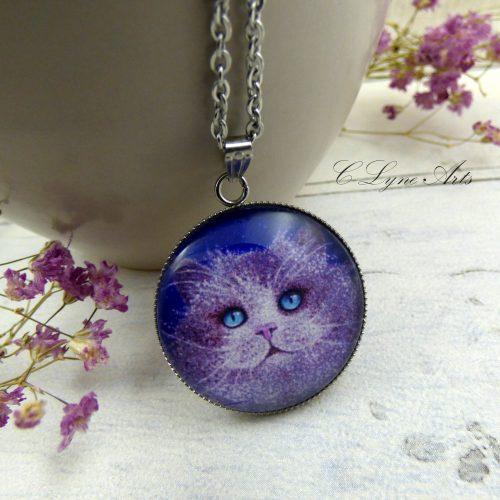 pendentif avec la photo d'une peinture de chat