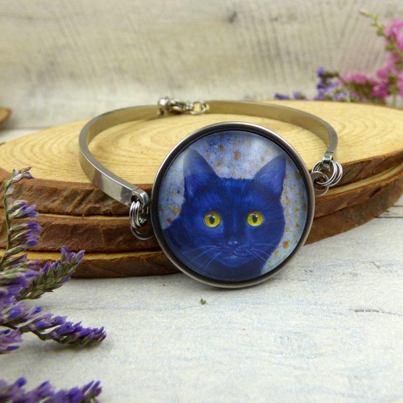 bijou avec tête de chat noir