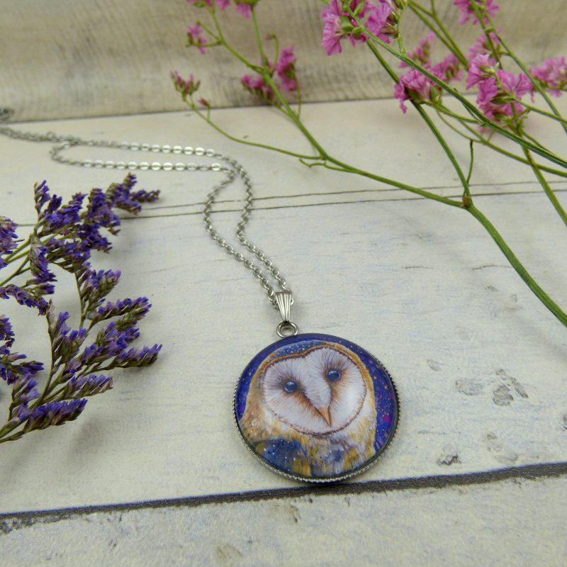 bijoux avec la photo d'une chouette féerique