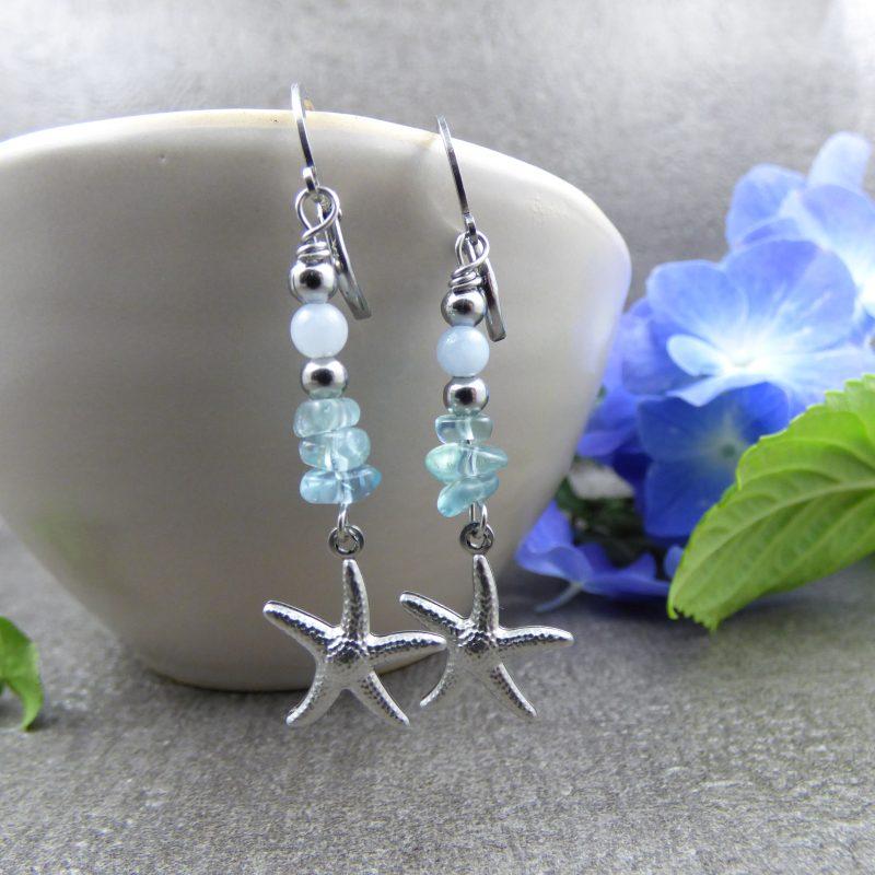 boucles d'oreilles en pierres avec des breloques etoiles de mer