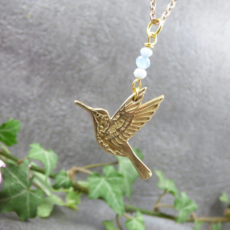 pendentif fait main avec un colibri