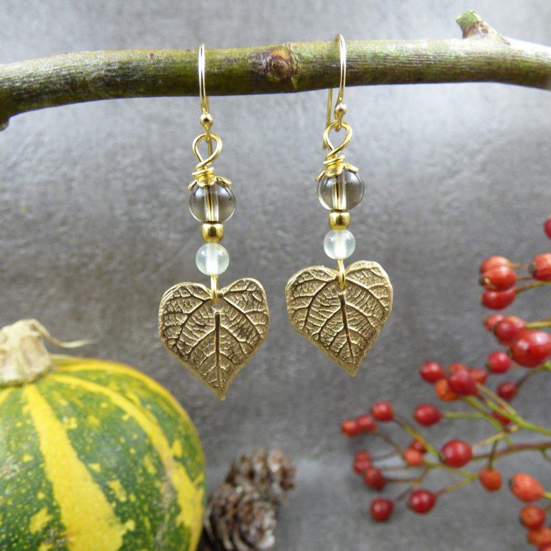 boucles d'oreilles fait main avec des feuilles de tilleul