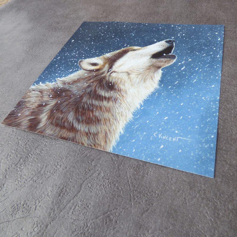 impression d'art d'une peinture de loup hurlant dans la neige