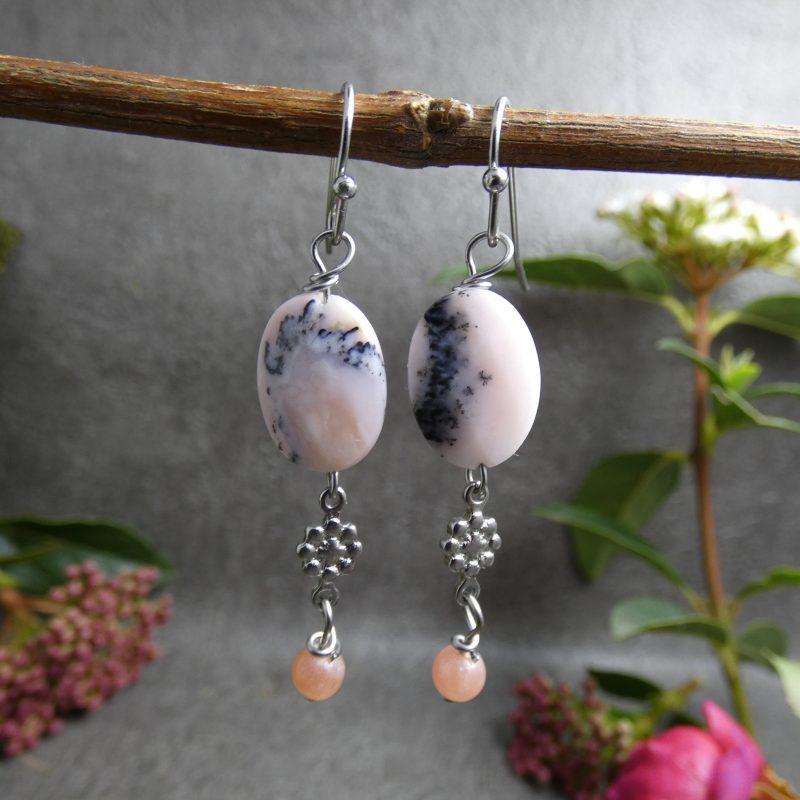 bijou artisanal en pierre naturelle d'opale