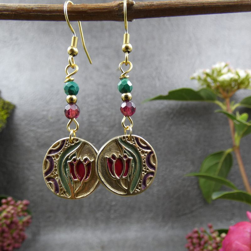 bijou féerique avec fleurs de tulipes et pierres naturelles