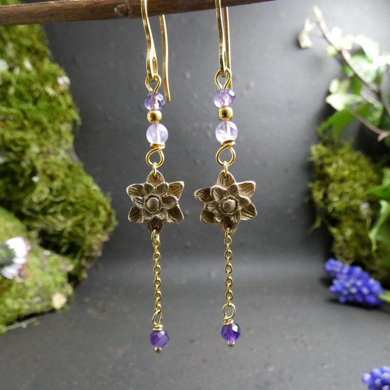 bijou artisanal avec feuilles de lotus et pierre améthyste