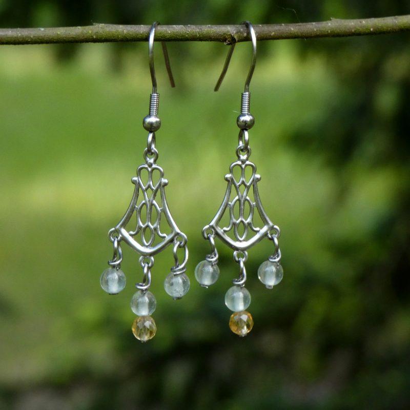 bijou artisanal en pierres naturelles