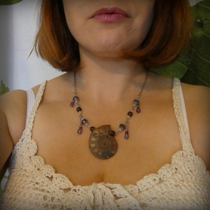 bijoux nature avec ammonite et pierres naturelles